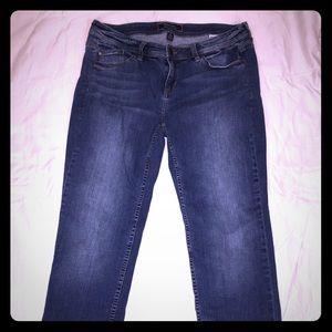 Tommy Bahama Boyfriend stretch jeans size 8